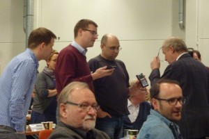 Diskussion um Wahlgerät bei DJV-Verbandstag Fulda 2.11.15 Foto Klaus Nissen