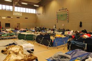 Blick in die Notunterkunft für Flüchtlinge in Nidda Nov 2015