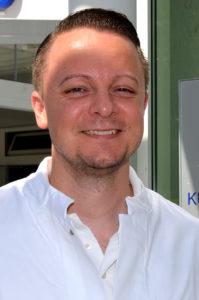 Seit Kurzem ist er Chefarzt für Innere Medizin in der Kurpark-Klinik in Bad Nauheim: PD Dr. Dominik Georg Haider. (Foto: Petra Ihm-Fahle)
