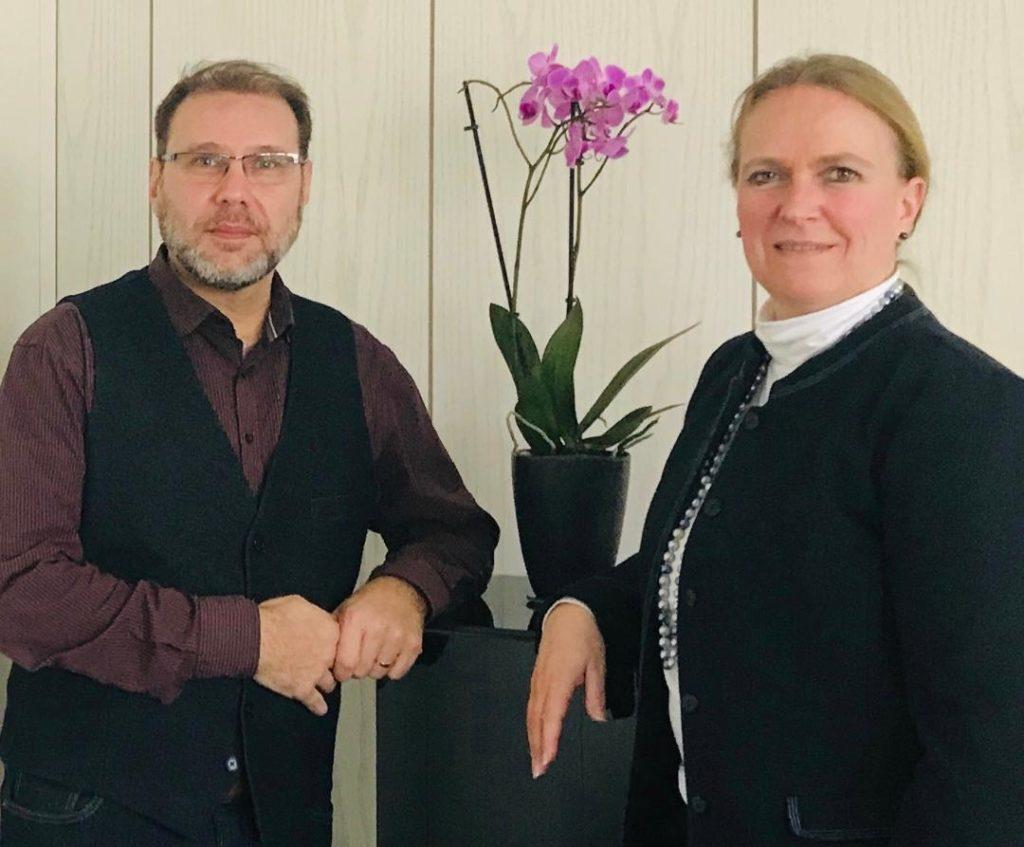 Sinan Sert und Stephanie Becker-Bösch werben für die Mitgliedschaft im Förderverein. (Bild: pv)