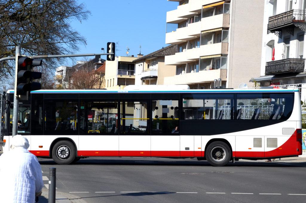 Eine Neukonzeption des Stadtbus Bad Nauheim fordert die städtische SPD. (Bild: Petra Ihm-Fahle)