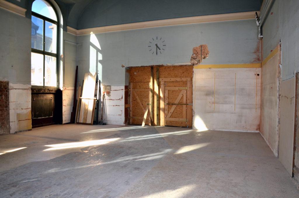 Die FW/UWG warb im Februar dafür, einen Kulturbahnhof in der ehemaligen Bahnhofsgaststätte zu etablieren. Das Parlament stimmte allerdings dagegen. (Bild: Petra Ihm-Fahle)