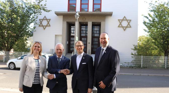 Besuch in der Synagoge