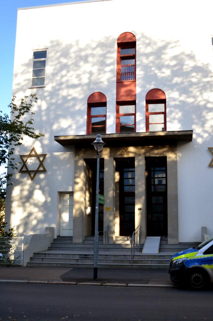 Die Synagoge in Bad Nauheim erhält nach dem Anschlag in Halle verstärkten Polizeischutz. (Bild: Petra Ihm-Fahle)